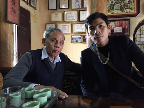 Doc dao tranh Dong Ho voi hinh tuong ga chuc phuc dau xuan-Hinh-7
