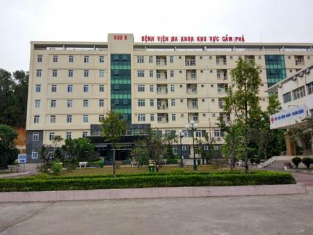 Quang Ninh: Xe khach va xe container, hang chuc hanh khach thoat chet