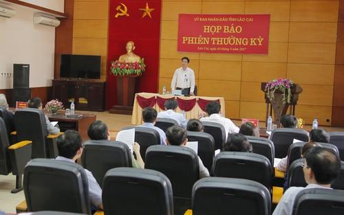 Dot pha Lao Cai: To chuc cap thong tin cho bao chi hang tuan