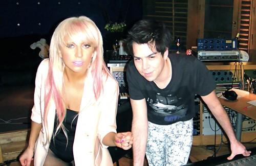 Ho Ngoc Ha sang My gap nha san xuat cua Lady Gaga-Hinh-2