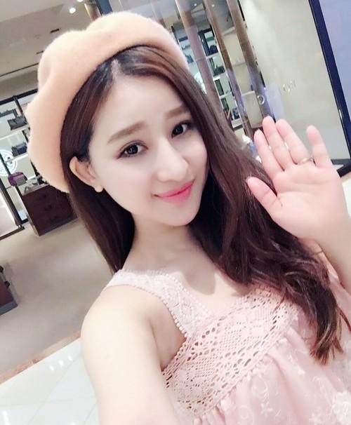 Hot girl Ivy chia se cuoc song sau ly hon Ho Quang Hieu-Hinh-3