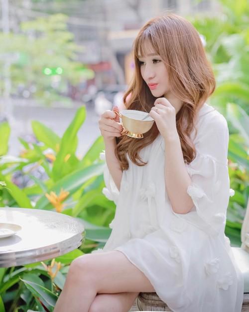 Hot girl Ivy chia se cuoc song sau ly hon Ho Quang Hieu