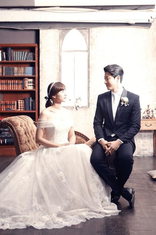 Lee Dong Gun va Jo Yoon Hee ket hon sau 2 thang hen ho