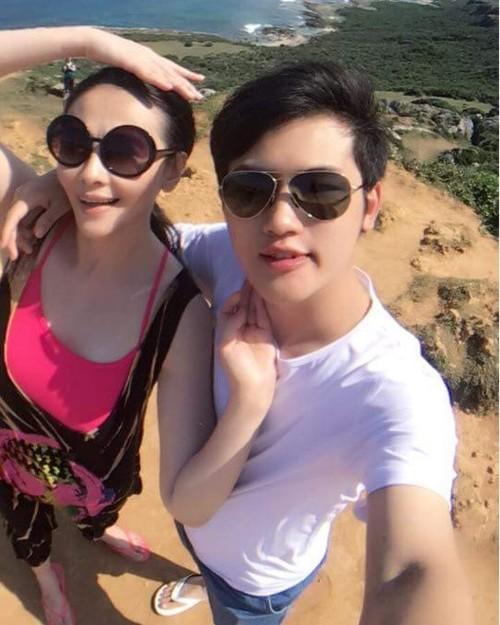 Tieu Thuc Than va ban trai dang tuoi chau sap ket hon