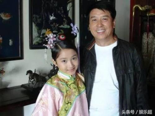 Do tai sac Dich Le Nhiet Ba va Quan Hieu Dong-Hinh-6