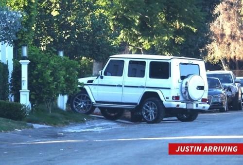 Selena Gomez gap Justin Bieber o nha rieng trong luc ban trai di luu dien-Hinh-3