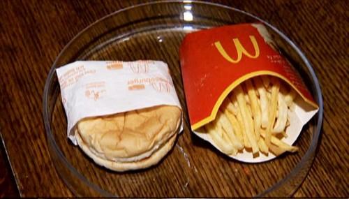 Phat hoang do an McDonald's bay 6 nam khong moc