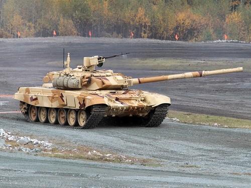 Bao Nhat noi gi ve viec Viet Nam mua xe tang T-90 Nga-Hinh-2