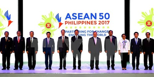AMM 50: Cac ngoai truong ASEAN thong qua du thao khung COC