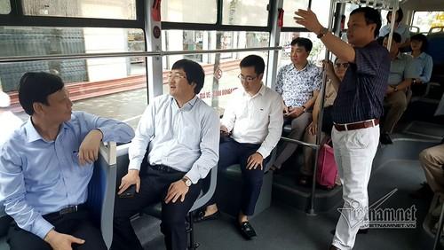 Ha Noi: Cho 13.000 khach moi ngay, buyt nhanh BRT qua tai-Hinh-2