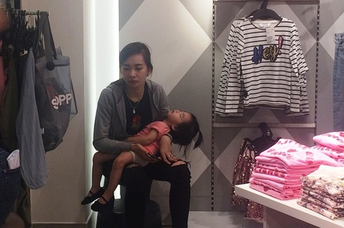 "Trong H&M co gi ma dan Sai Gon ""phat dien""?-Hinh-12"