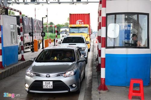 Xe container di tu Bac vao Nam mat gan 4,6 trieu dong tien phi BOT