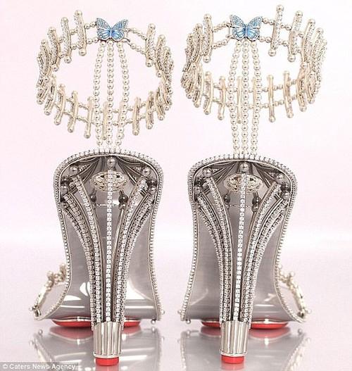 Ngam doi sandal kim cuong gan 7 ty cua Beyonce-Hinh-2