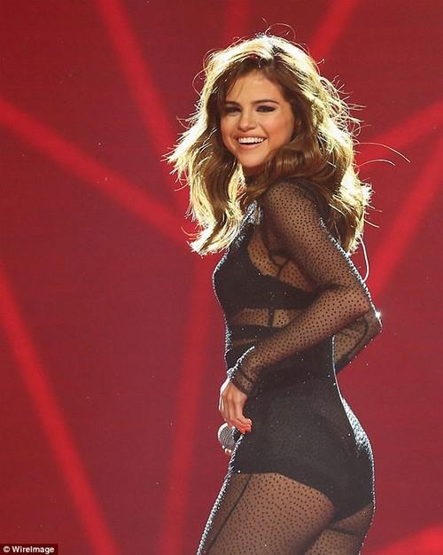Selena Gomez dang di dieu tri tam ly