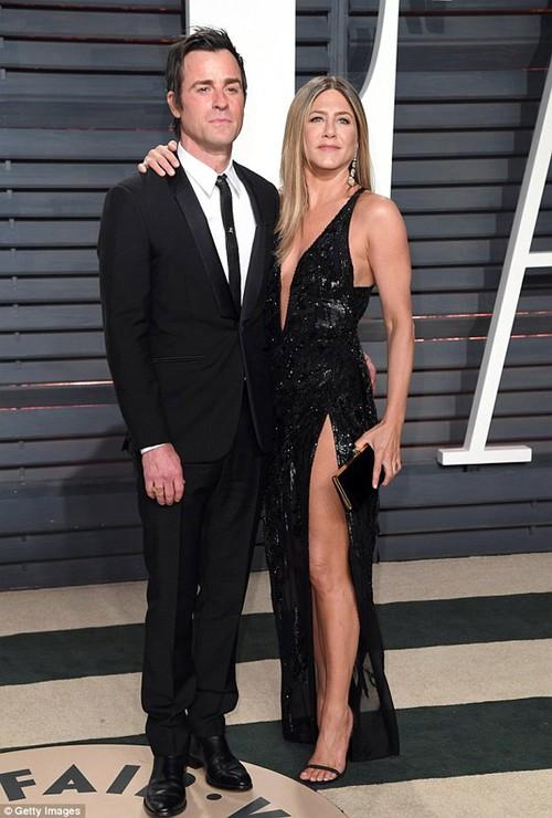 Brad Pitt nhan tin chuc mung sinh nhat vo cu, Jennifer Aniston-Hinh-2