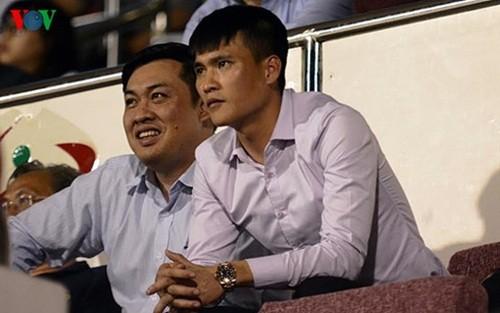 "Cong Vinh ""thuong nong"" 700 trieu dong cho CLB TP HCM"