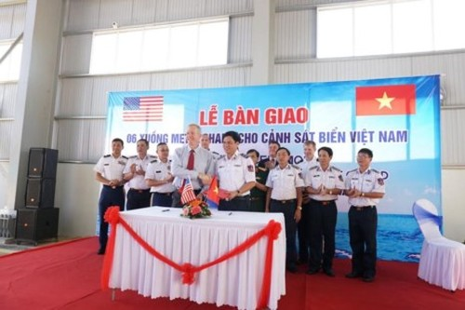 My ban giao cho Canh sat bien Viet Nam 6 tau tuan tra