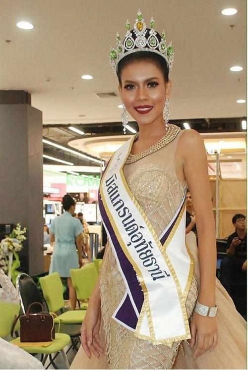 Nhan sac Hoa hau Thai Lan tu vong sau 4 ngay dang quang-Hinh-8