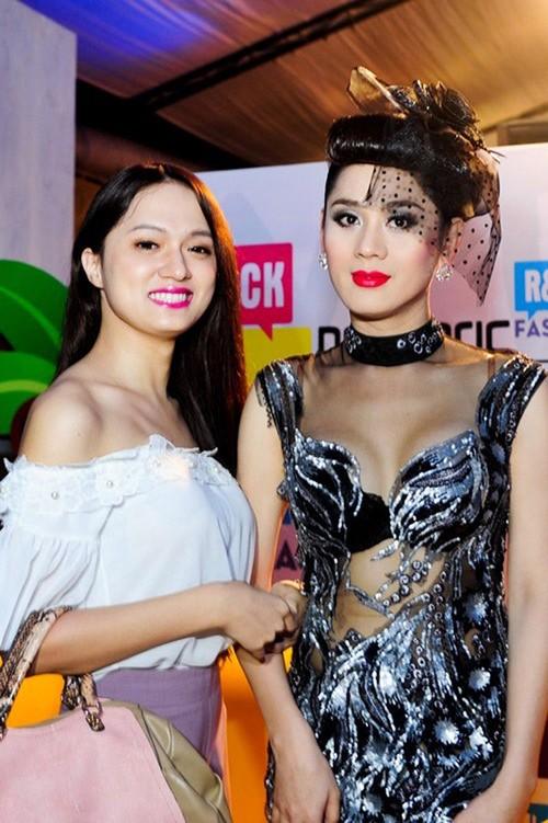 """Lam Khanh Chi """"vach mat"""" Huong Giang Idol sau scandal Trung Dan"""