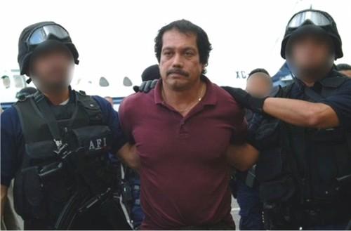 """Cuoc doi tuong cuop huyen thoai Mexico: Khi nguoi hung """"nhung cham"""""""