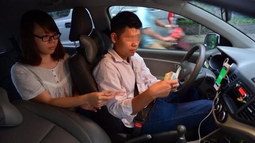 TP.HCM de xuat quan ly Grab, Uber nhu 'taxi kieu moi'