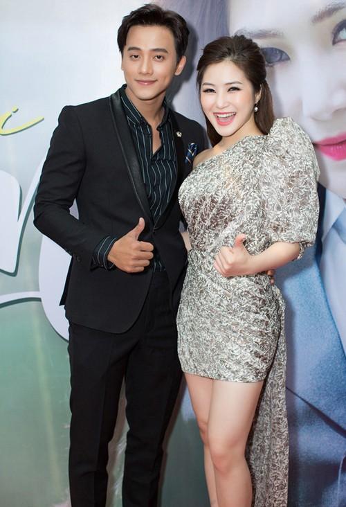"""Thay giao lang tu trong MV """"Em gai mua"""" tinh tu ben Huong Tram-Hinh-2"""