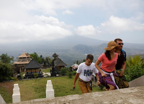 Bali hoi hop cho nui lua phun trao-Hinh-10