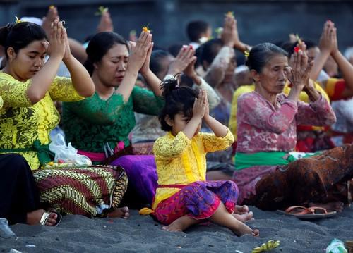 Bali hoi hop cho nui lua phun trao