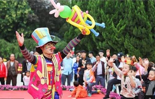 """Chuyen la hom nay: Luong cao chot vot, thanh nien van e """"chong cho"""" vi...-Hinh-2"""