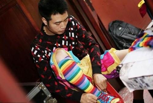 """Chuyen la hom nay: Luong cao chot vot, thanh nien van e """"chong cho"""" vi..."""