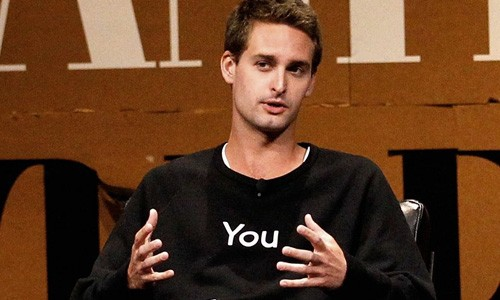 "CEO Snapchat Evan Spiegel: ""Facebook khong the tro thanh Snapchat"""