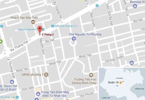 Oto tong hang loat xe roi lao vao cua hang o Sai Gon-Hinh-4
