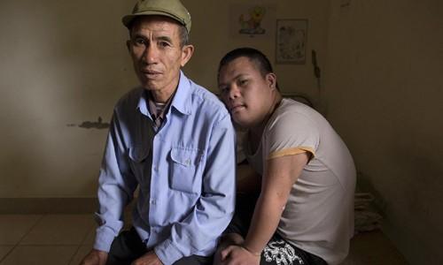 """Reuters: """"Noi dau da cam anh huong den nhieu gia dinh Viet Nam"""""""