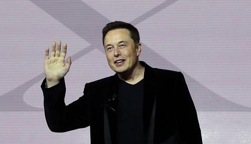 """Elon Musk: """"De duoc cong nhan, phai chiu duoc ap luc cua thanh cong"""""""