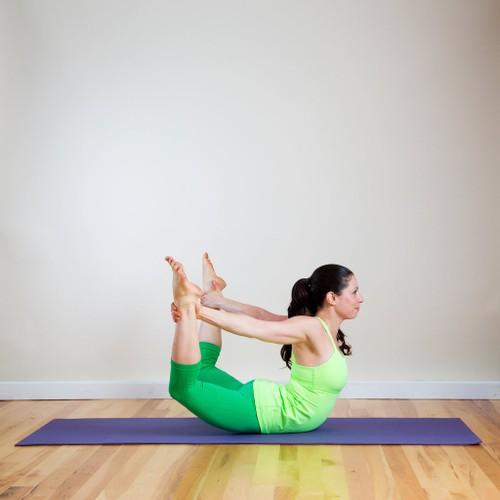 Detox co the tu nhung bai tap yoga don gian-Hinh-4