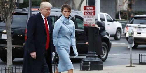 Ba Melania Trump mac giong Jackie Kennedy ngay chong nham chuc