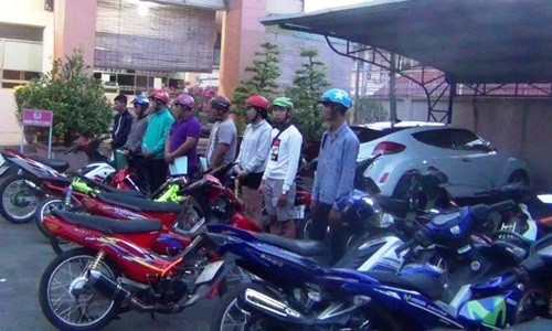 200 quai xe chan dai lo Binh Duong nao loan dem mung 3 Tet