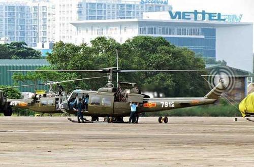 Khong quan ND Viet Nam dung truc thang UH-1 the nao?-Hinh-3