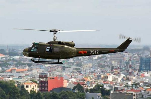 Khong quan ND Viet Nam dung truc thang UH-1 the nao?