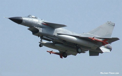 Tiem kich J-10 TQ van phai bay bang dong co Nga