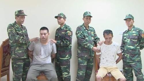 Trung Quoc ban giao hai doi tuong truy na nguy hiem cho Viet Nam
