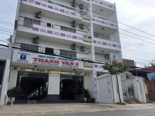 """Diem nong 24h: Nhan tien DN, Truong phong Thanh tra Cuc thue """"xo kham""""-Hinh-4"""