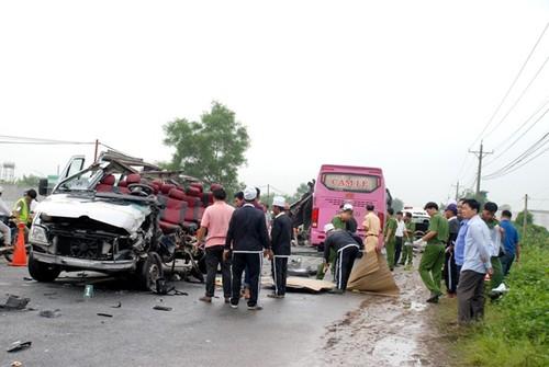 Nguyen nhan ban dau vu 2 xe khach tong nhau o Tay Ninh