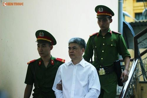 Cuu TGD OceanBank Nguyen Xuan Son nop don khang cao