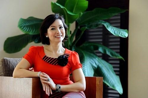 Duong tinh Hoa hau Viet Nam: Nguoi cuoi tuoi, ke khoc rong-Hinh-2