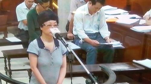 Diem nong 24h: Ho Hoa Binh lan dau tien phai mo het cua xa-Hinh-4