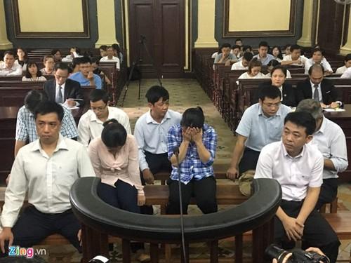 Xet xu VN Pharma: Nguyen Minh Hung an nan nhung van choi toi