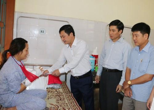 Khoi to bi can doi tuong chem nhan vien y te o Huong Khe-Hinh-2