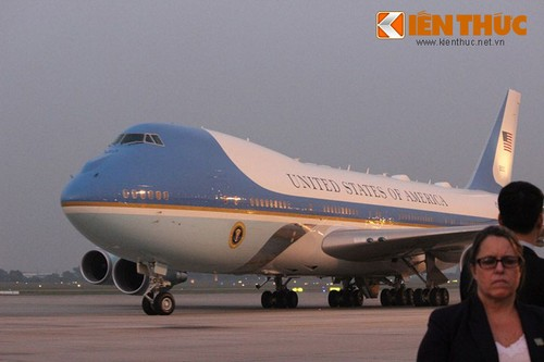 Tong thong Donald Trump den Ha Noi, bat dau tham chinh thuc Viet Nam-Hinh-2