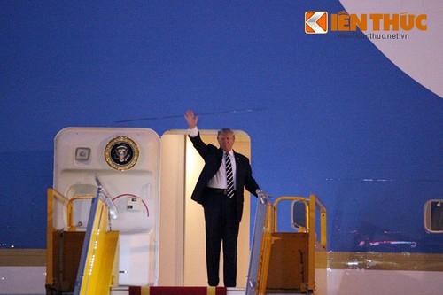 Tong thong Donald Trump den Ha Noi, bat dau tham chinh thuc Viet Nam-Hinh-3